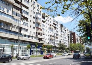 Apartament de vânzare cu 4 camere, Centru-Bd Independentei