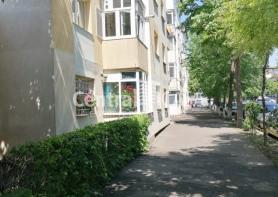 Apartament de închiriat cu 2 camere, Centru-Podul de Fier