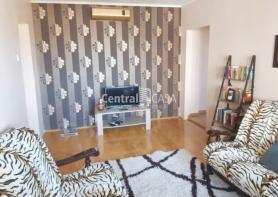 Apartament de închiriat cu 3 camere, Centru-Targu Cucu
