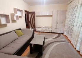 Apartament de închiriat cu 3 camere, Centru-Podul de Fier