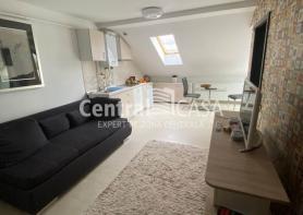 Apartament de vânzare cu 2 camere, Centru-Bucsinescu