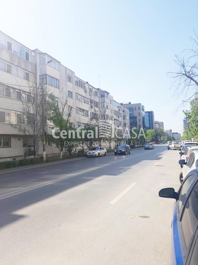 Apartament de vânzare cu 2 camere, Centru-Sf Lazar-Palas