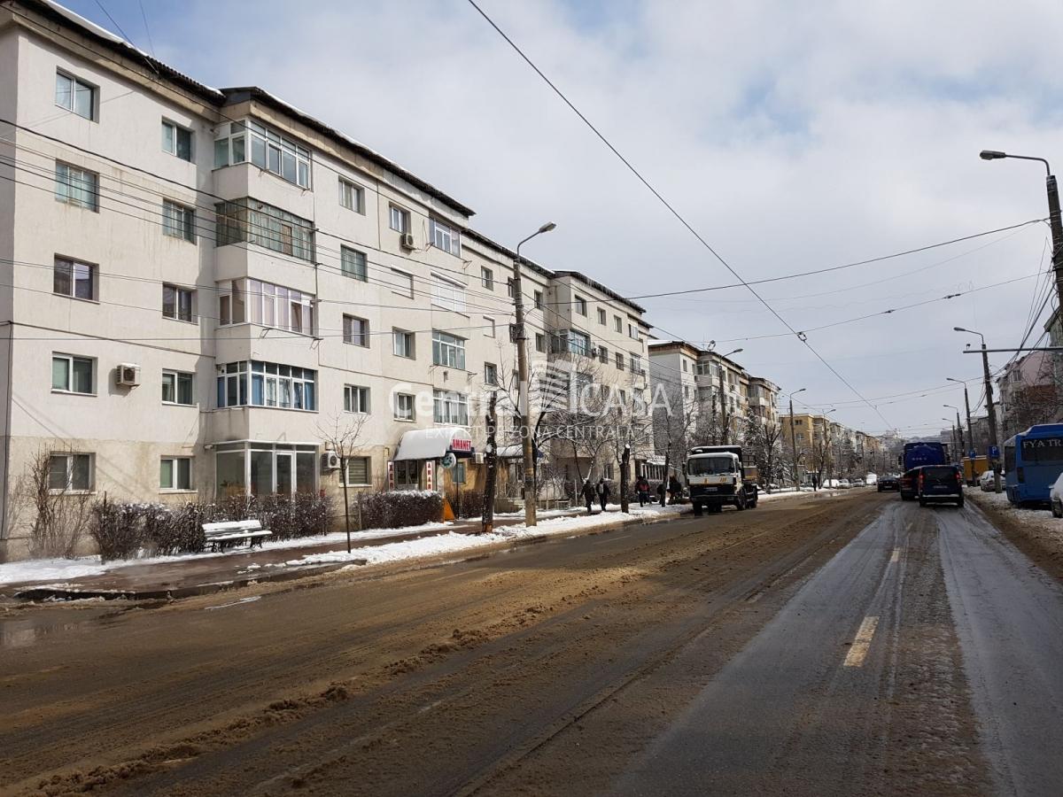 Apartament de vânzare cu 3 camere, Pacurari-Canta