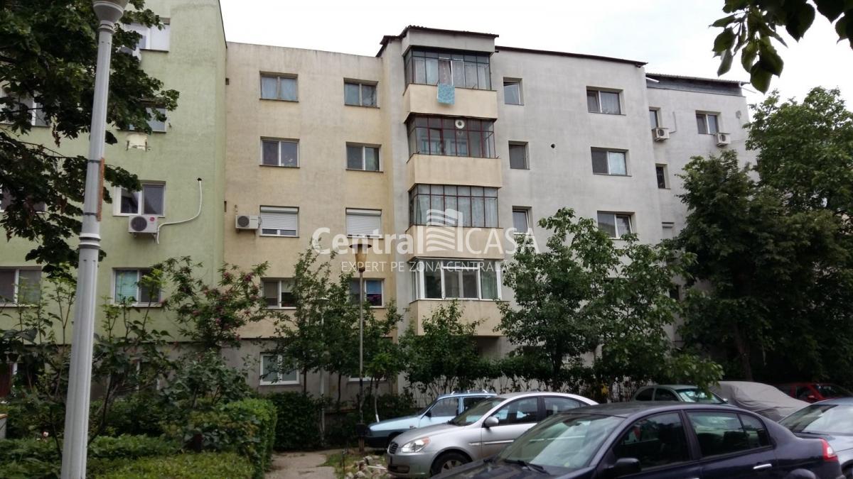 Apartament de vânzare cu 4 camere, Centru-Sf Lazar-Palas